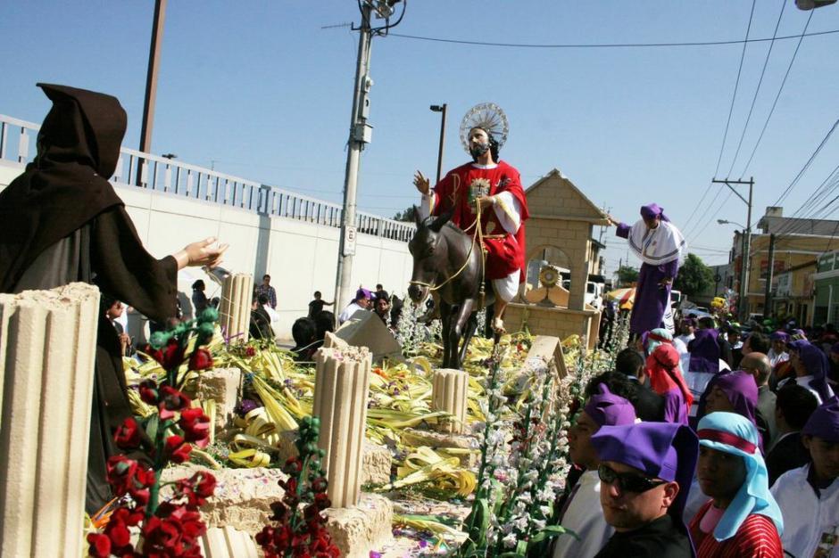 El anda de Jesús de las Palmas. (Foto: Raúl Illescas).