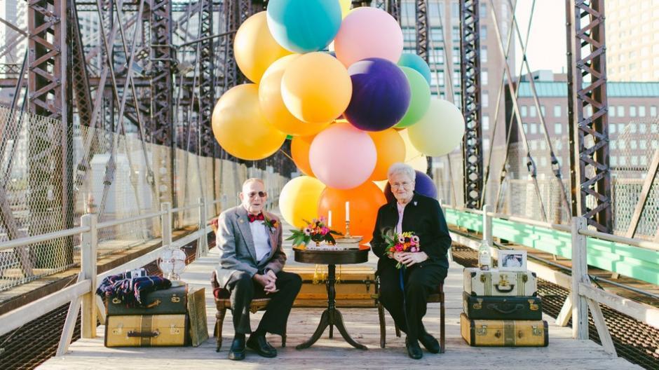 Nina y el Abuelo tuvieron las fotos de su 61 aniversario, basadas en la película UP.