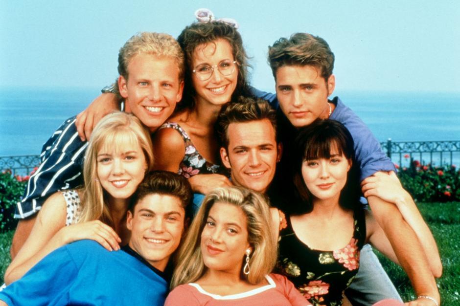 """La protagonista de """"Beberly Hills 90210"""", anuncia que padece cáncer de seno."""