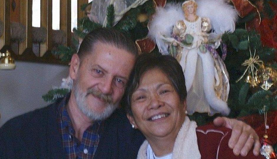 Lawrence John Ripple y su esposa Remedios cuando eran felices. (Foto: Facebook)