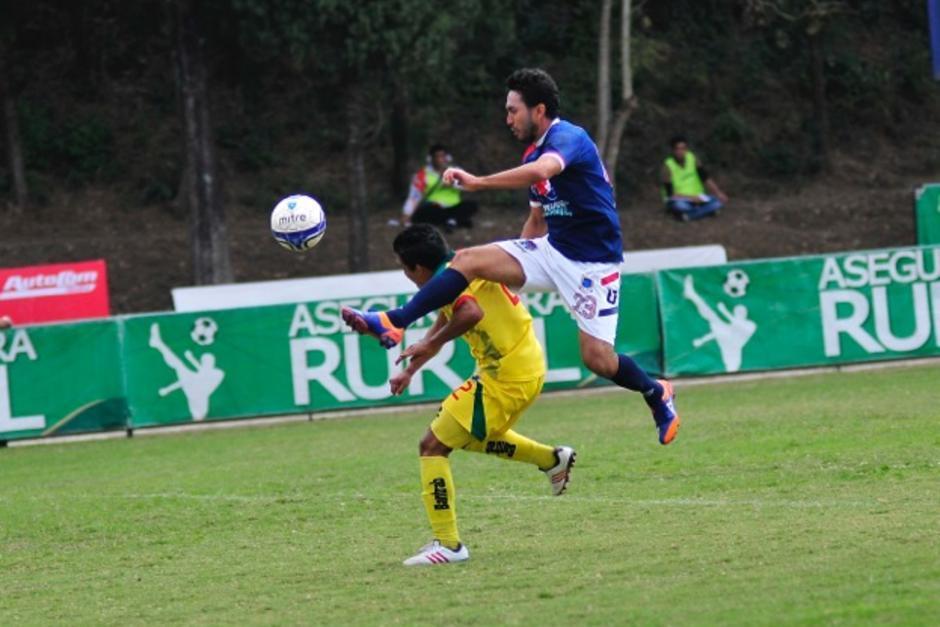 El mexicano Carlos Kamiani Félix es el actual goleador del torneo con 10 tantos, y su equipo, la Universidad, lidera el certamen con 15 puntos