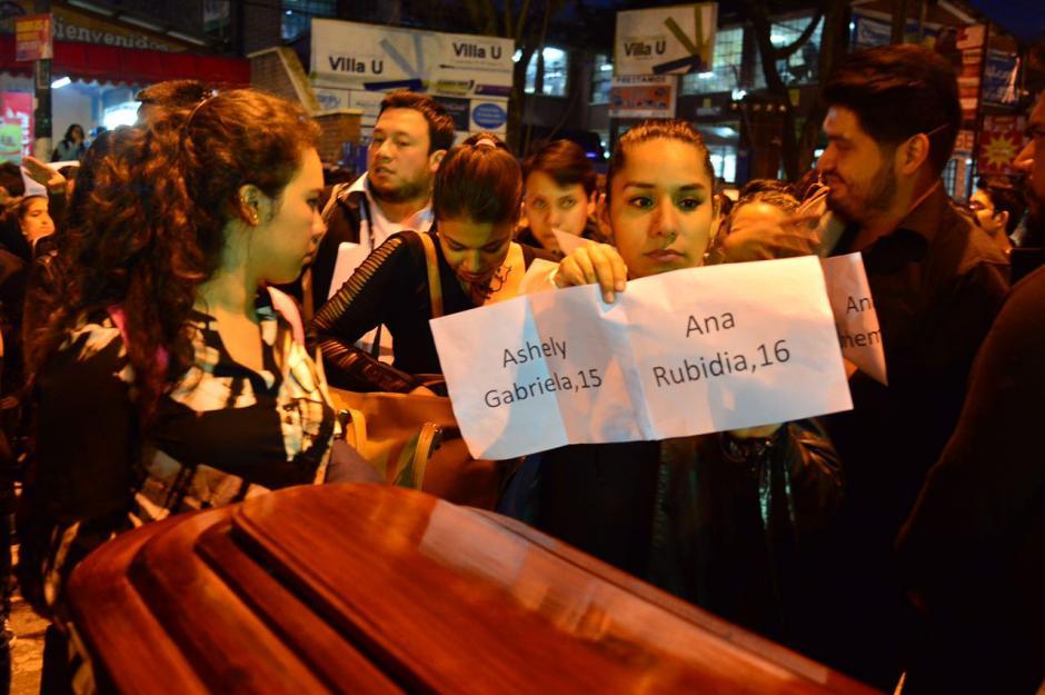 Los estudiantes pidieron a las autoridades apresurar las investigaciones. (Foto: Jesús Alfonso/Soy502)