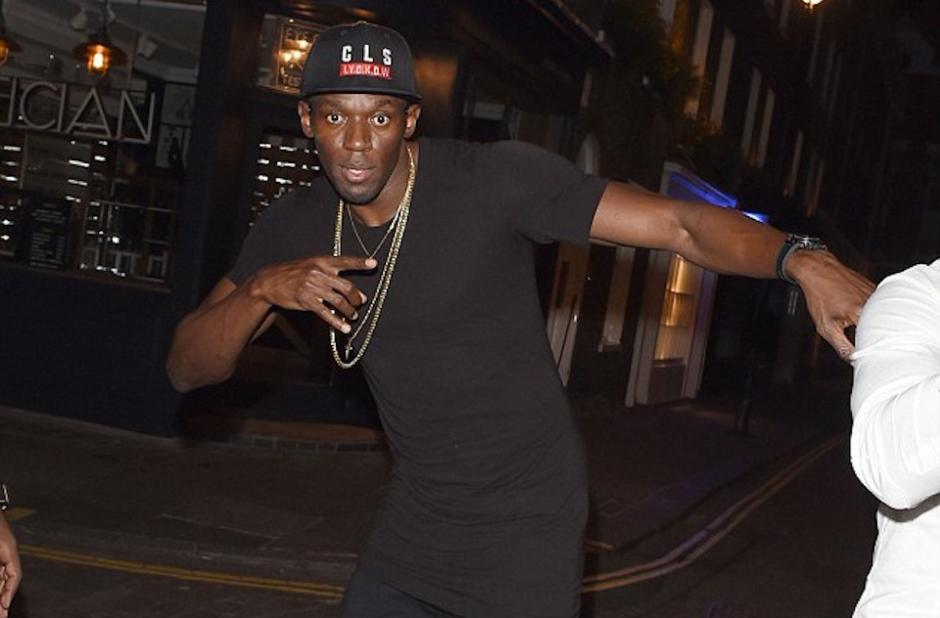 Usain Bolt continuó con la celebración de su cumpleaños en Londres. (Foto: Daily Mail)