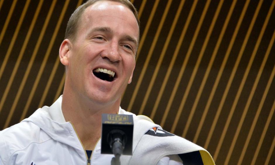 Peyton Manning, quarterback de los Denver Broncos, evadió responder si esta era su última temporada en la NFL. (Foto: usatoday.com)