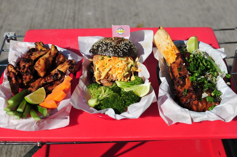 Los menús son acompañados por vegetales. Es una manera de impulsar entre las personas el buen hábito de alimentarse sanamente.(Foto: Alejandro Balán/Soy502)
