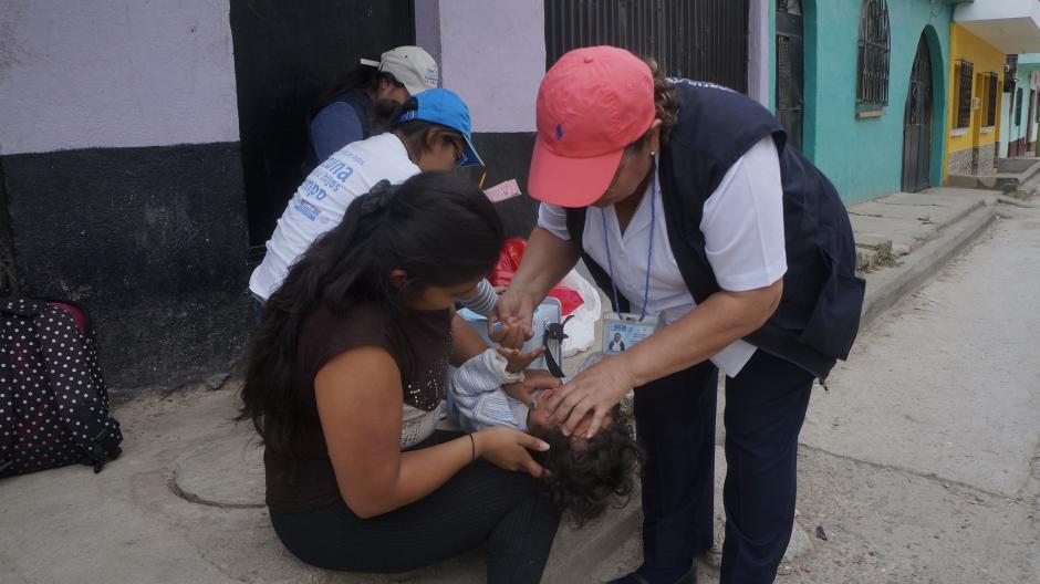 A principio de año, 2 de cada 10 niños tenían sus esquemas completos de vacunación, ahora en tres meses hemos logrado que sean 3 de cada 10 niños. (Foto: Archivo/Nuestro Diario)