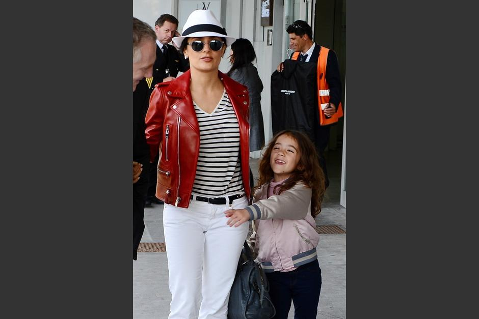 Valetina Paloma Pinault-Hayek es hija de la actriz Salma Hayek y del empresario François-Henri Pinault. Gente cercana a la familia afirma que es muy ocurrente y que le gustan los animales.