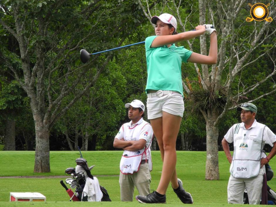 Valeria Mendizábal se prepara para el Mundial de Golf que se disputa en México en octubre próximo. (Foto: Asogolf)