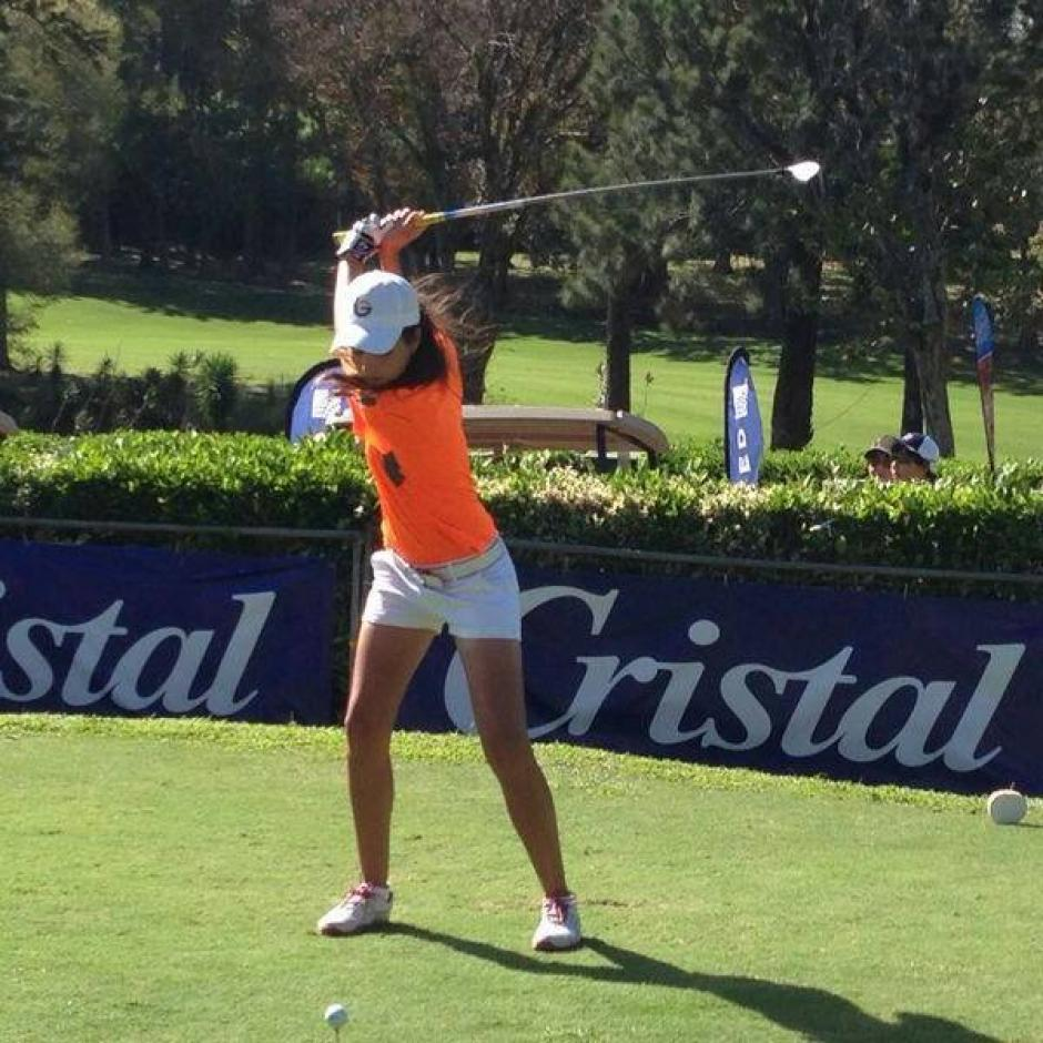 Valeria es una de las grandes dominadoras del golf juvenil guatemalteco. (Foto: Valeria Mendizabal)