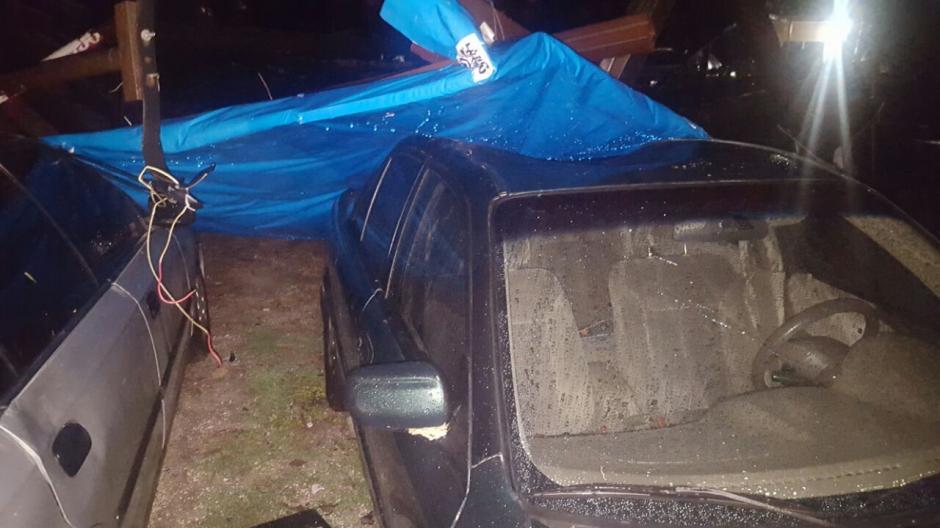 Al menos seis vehículos fueron los que se vieron perjudicados. (Foto: Soy502)
