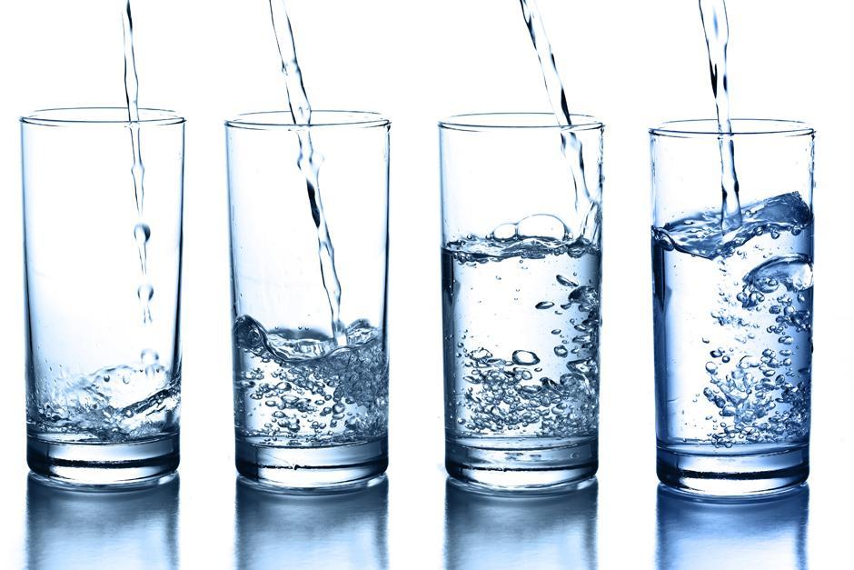 Revelan Las Terribles Consecuencias De Beber 8 Vasos De