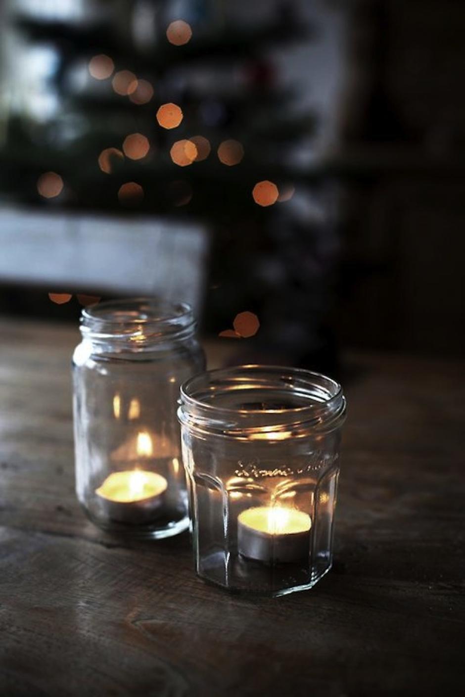 Las velitas toman un giro inesperado al mezclarlas con el vidrio, lo que le da un toque de sobriedad y elegancia. (Foto: Pinterest)