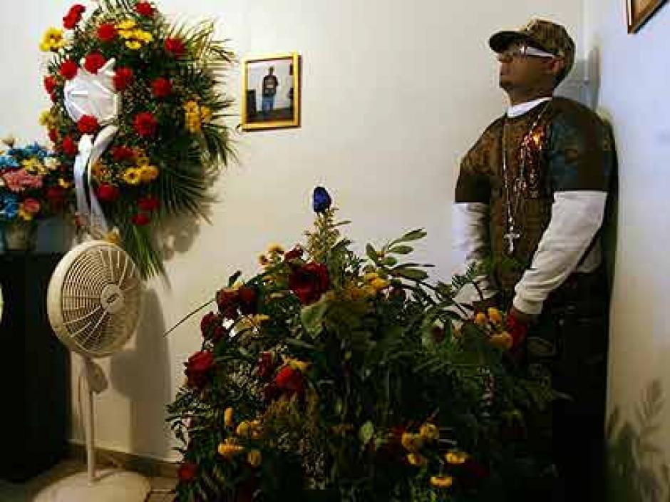 """Se le recuerda como el funeral del """"muerto parado"""" en 2009. (Foto: Notinerd)"""