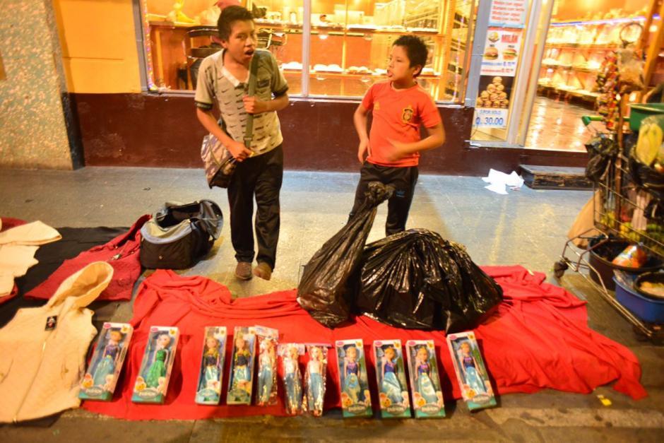 Los vendedores buscaban instalarse en la 13 calle y 6a avenida. (Foto: Jesús Alfonso/Soy502)