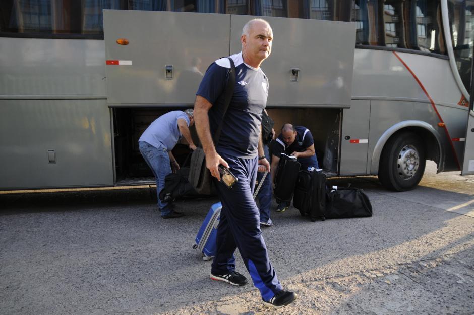 Iván Franco Sopegno captado en las afueras del hotel donde se concentra la Sele.(Foto: Orlando Chile/Enviado especial de Nuestro Diario)