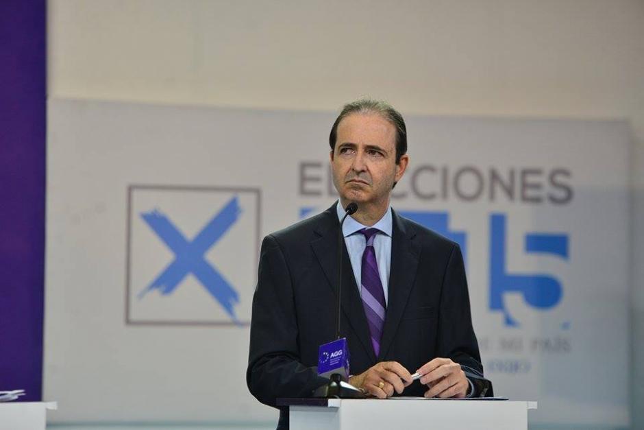 Mario Alberto García del partido TODOS durante el debate de la Asociación de Gerentes de Guatemala. (Foto: Wilder López/Soy502)