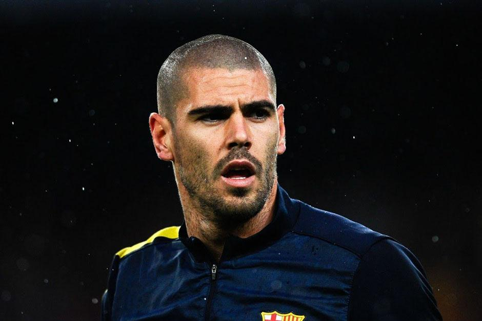 Al guardameta español Víctor Valdés le queda un año de contrato con el Manchester United