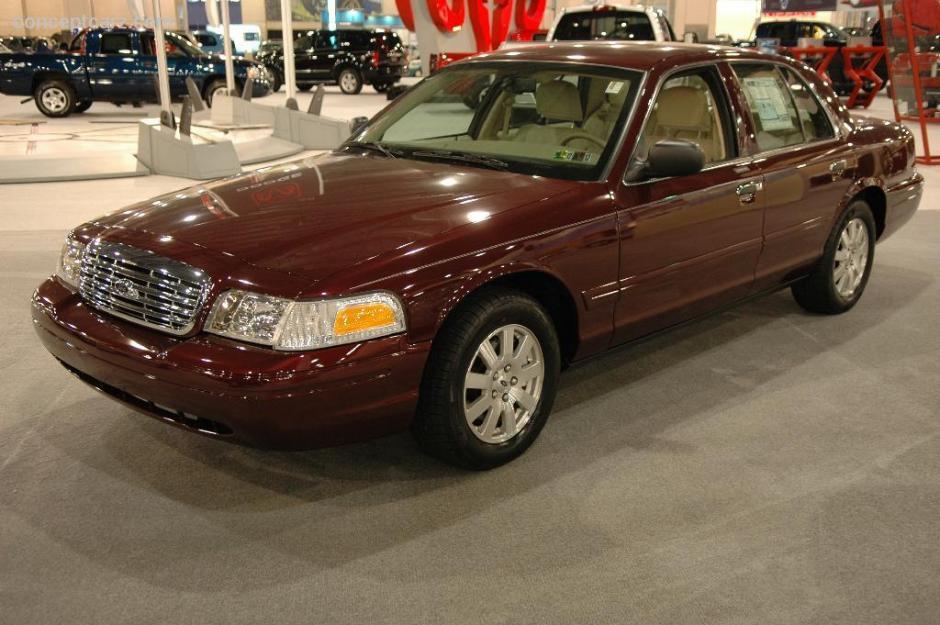 En el inventario de autos de Walker, también hace falta un Ford Crown Victoria modelo 2006. (Foto: conceptcarz.com)