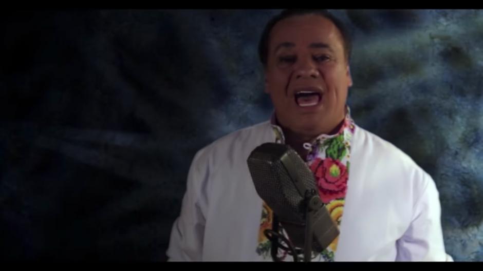 El video musical dura más de seis minutos y se publicó a través de Vevo. (Foto: Captura YouTube)