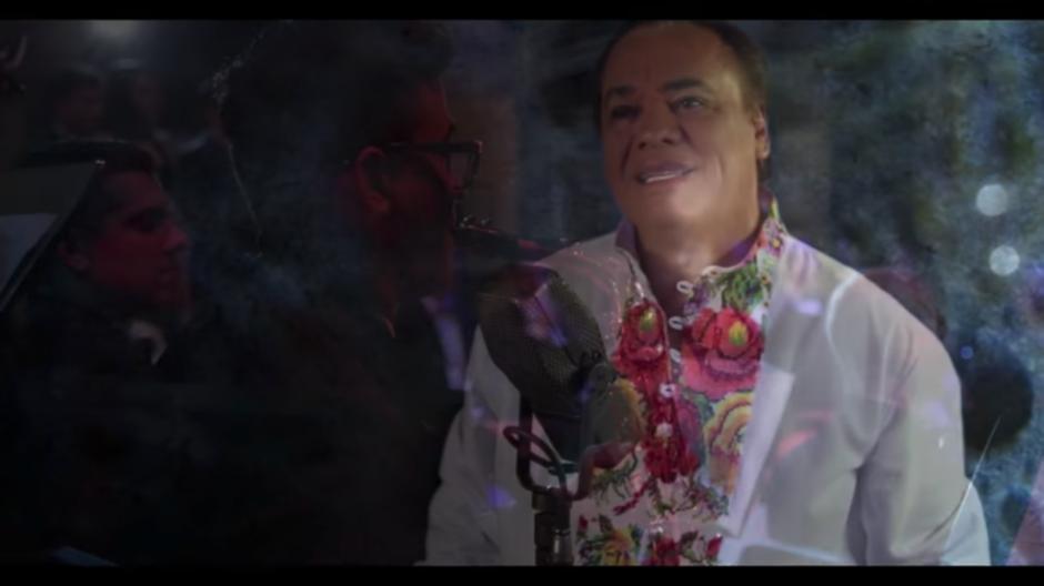 El video ya había sido grabado con anterioridad pero Juan Gabriel quiso volver a capturarlas. (Foto: Captura YouTube)