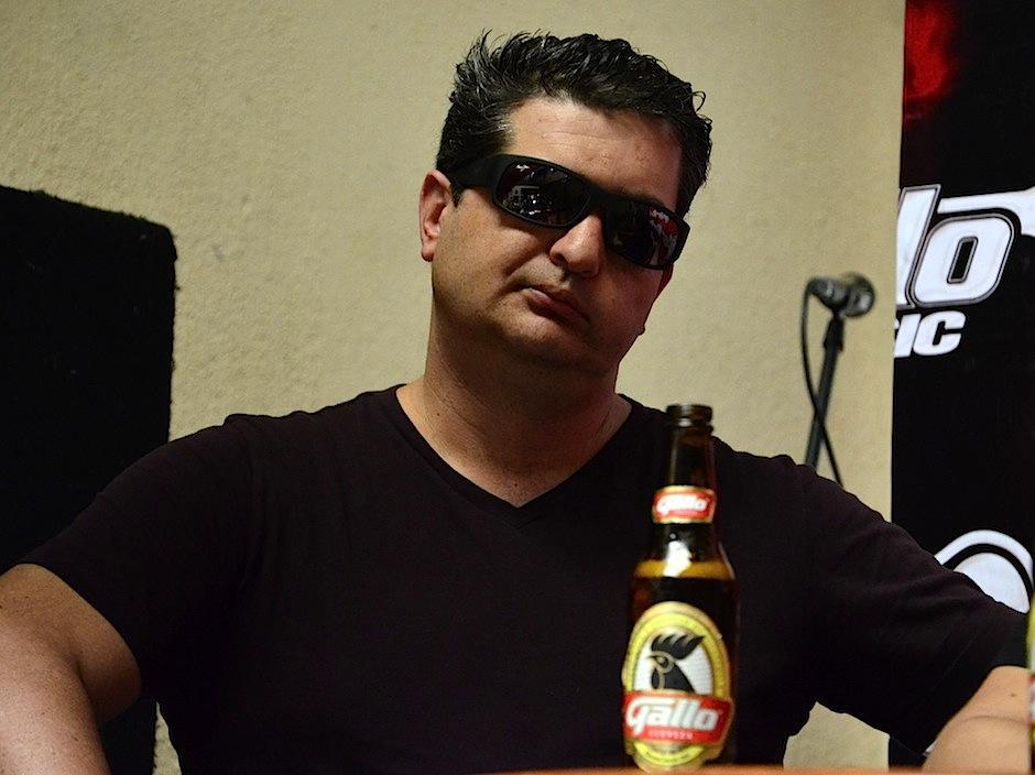 """Tono cuenta que el nombre """"Viento en contra"""" fue puesto por Luis, manager del grupo. (Foto: Selene Mejía/Soy502)"""