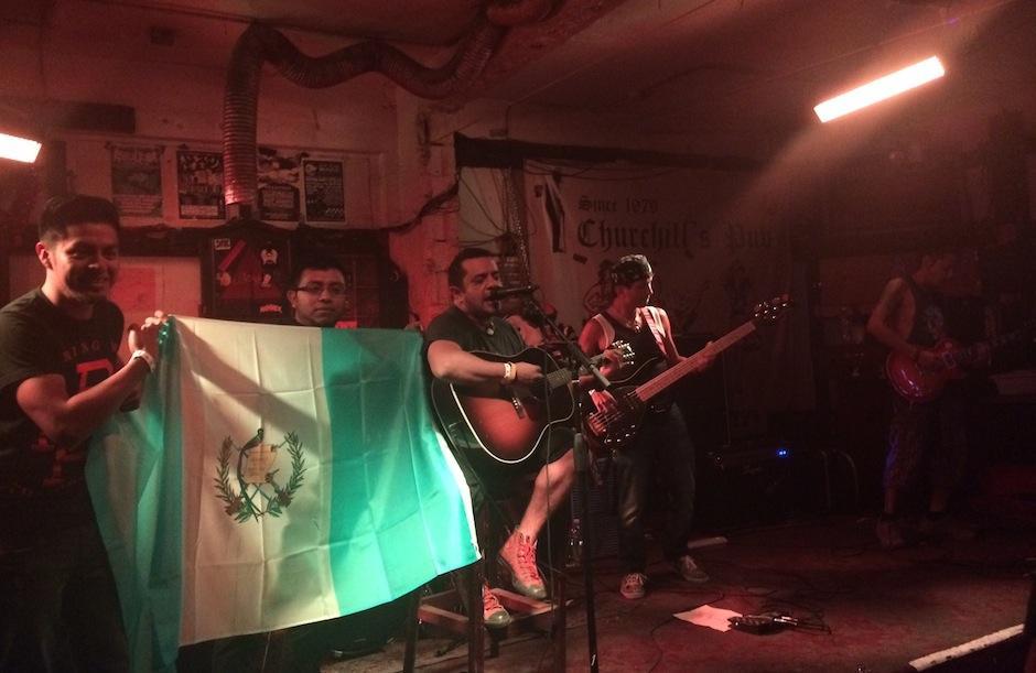 Los guatemaltecos residentes en Estados Unidos disfrutaron de cerca el repertorio de Viernes Verde. (Foto: Viernes Verde)