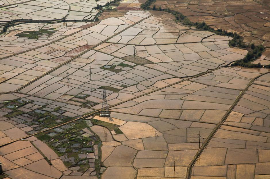 Una vista aérea de los campos de cultivo en la región de Mai Chau.(Foto: Réhahn)