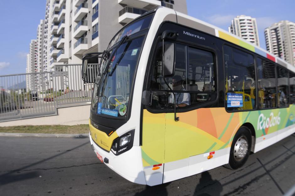 Este es uno de los buses en los cuales se trasladan los atletas olímpicos. (Foto: Pedro Pablo Mijangos/Soy502)