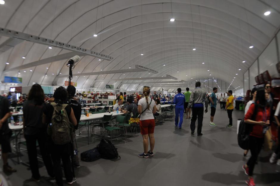 El área de comida está disponible las 24 horas del día. (Foto: Pedro Pablo Mijangos/Soy502)