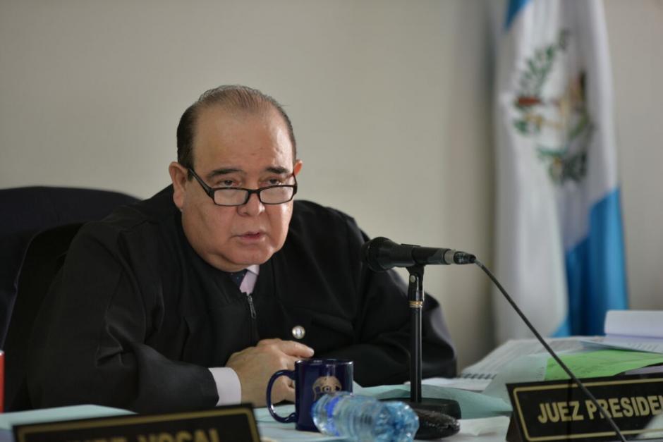 El juez Walter Villatoro suspendió la audiencia en contra de los exintegrantes de la Junta Directiva del IGSS. (Foto: Wilder López/Soy502)