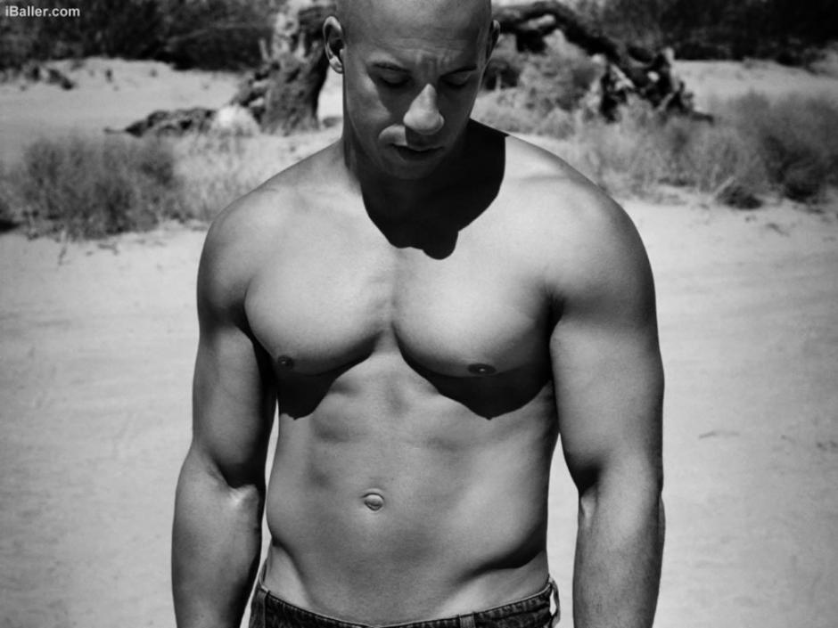 Vin Diesel es admirado por lo trabajado de su cuerpo.