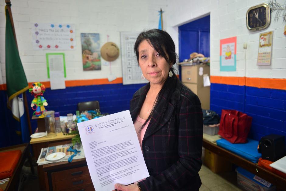 La directora presentó al presidente una carta con detalles del deterioro de las instalaciones. (Foto: Jesús Alfonso/Soy502)