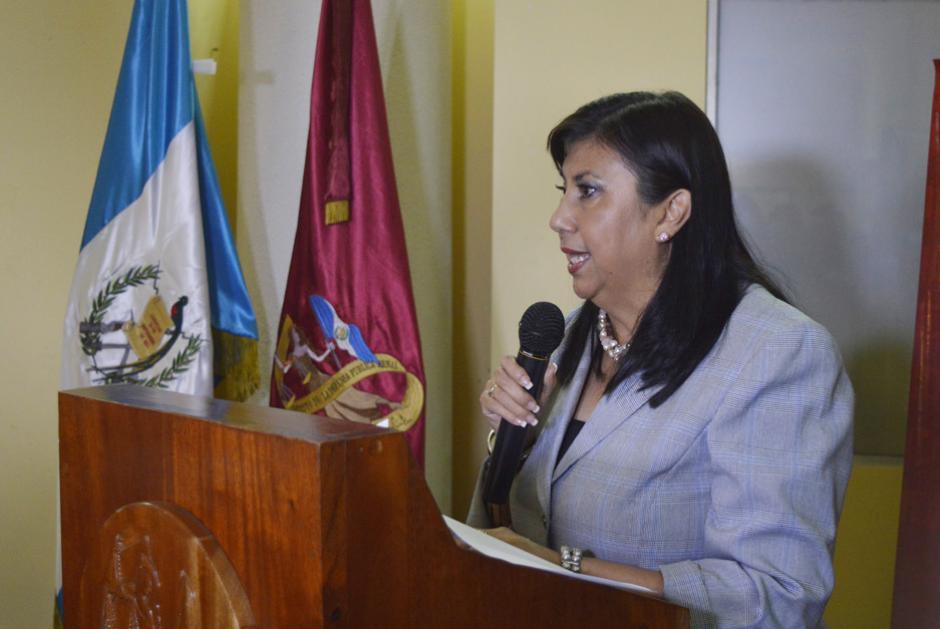 La directora aprovechó para criticar el ahogamiento presupuestario de la institución. (Foto: Camila Chicas/Soy502)