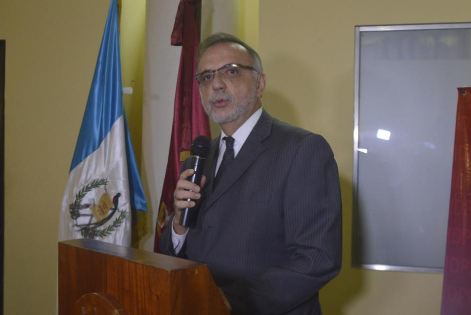 El Comisionado Velásquez señaló que el objetivo es eliminar el derecho de antejuicio. (Foto: Camila Chicas/Soy502)