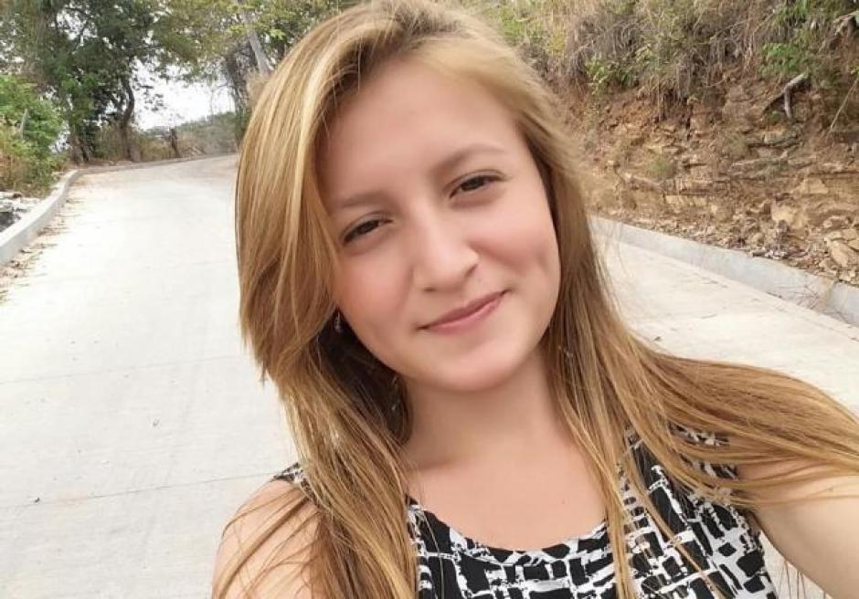 La joven de 20 años fue detenida junto a 53 pandilleros de la MS. (Foto: Twitter)