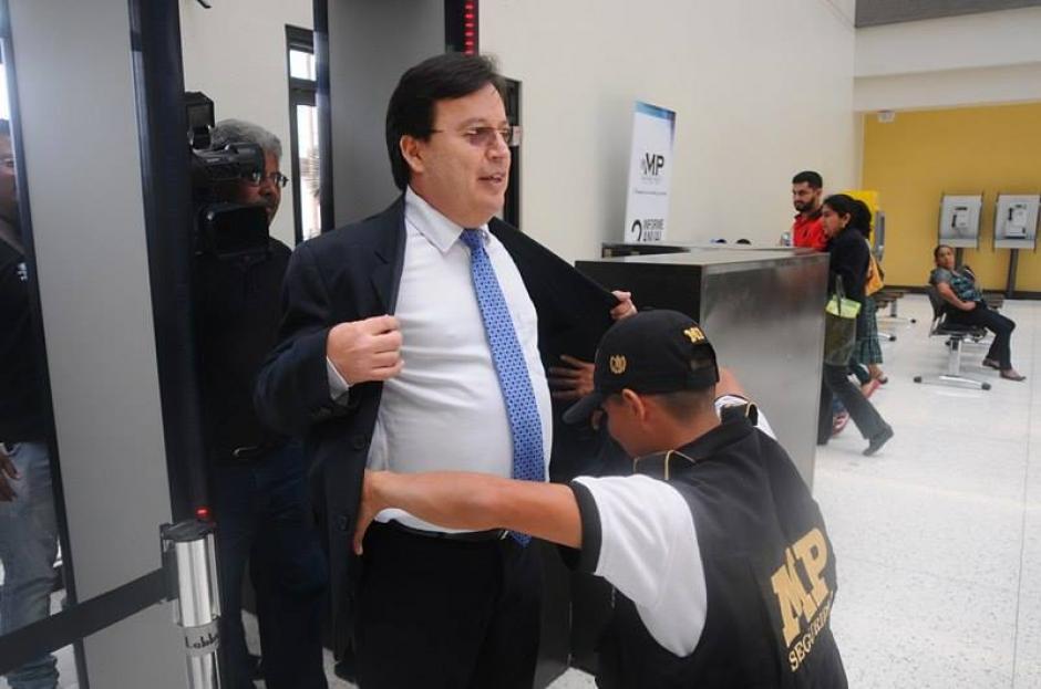 Según explicó se presenta para colaborar con las investigaciones. (Foto: Alejandro Balán/Soy502)