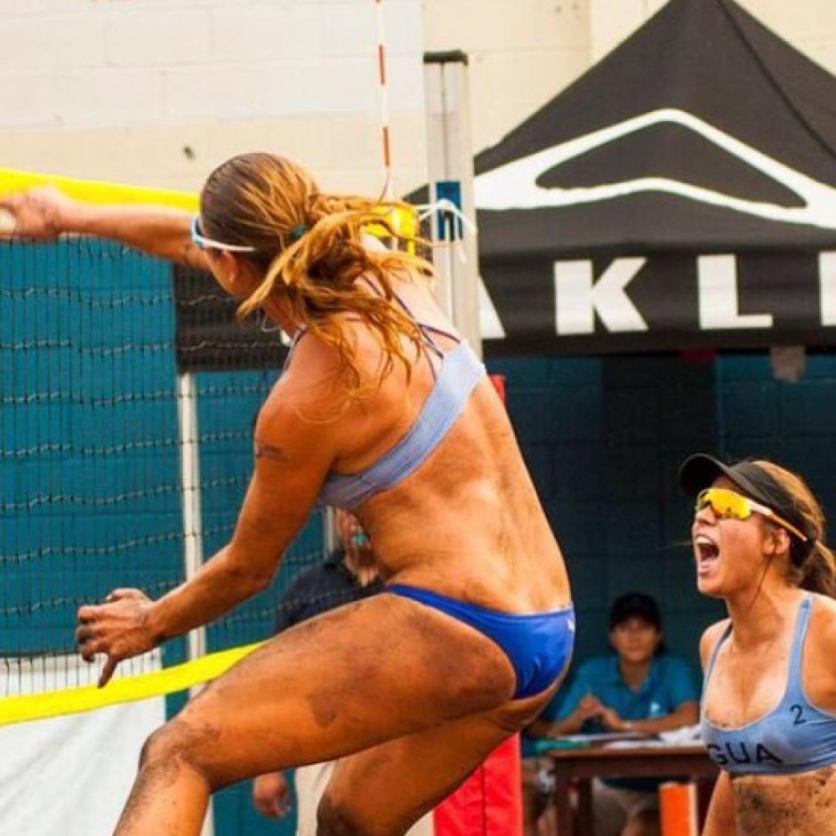 Las hermanas Orellana superaron a la dupla salvadoreña y jugarán la final. (Foto: Facebook)