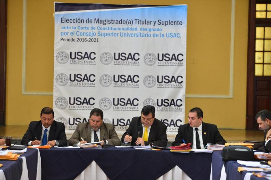 En total 44 miembros del Consejo Superior Universitario eligieron entre 14 candidatos a la CC. (Foto: Jesús Alfonso/Soy502)