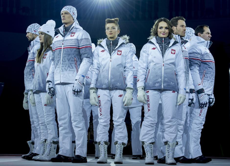 Éstos son los uniformes que vestirá la delegación de Polonia. Foto AFP
