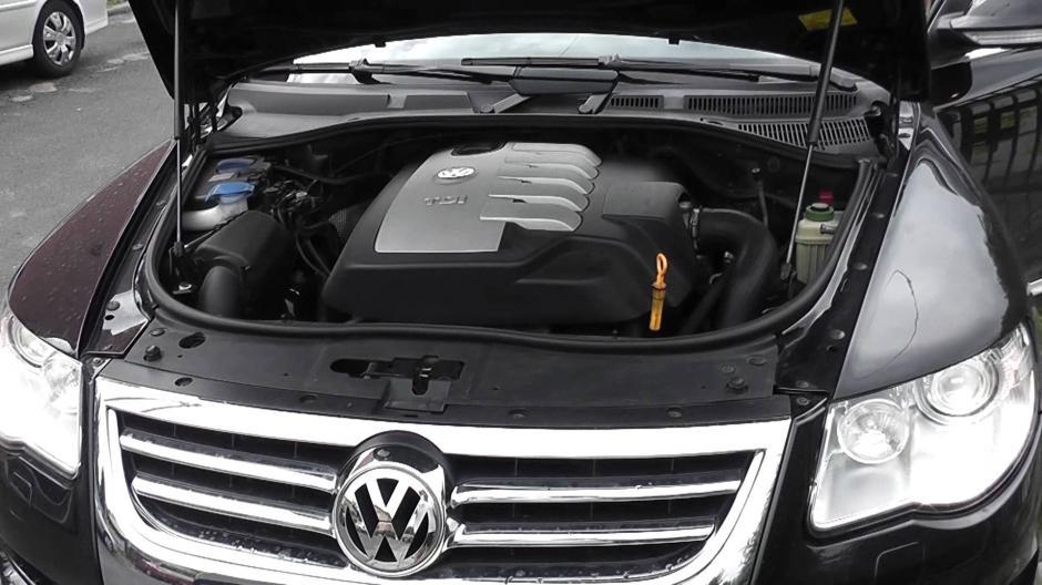 En el transcurso del mes de septiembre, salió a la luz que Volkswagen había instalado ilegalmente un software para cambiar los resultados de los controles de emisiones contaminantes en 11 millones de vehículos con motor diésel, vendidos entre el 2009 y el 2015.(Imagen. Captura de YouTube)