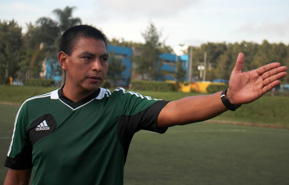Walter López árbitro guatemalteco
