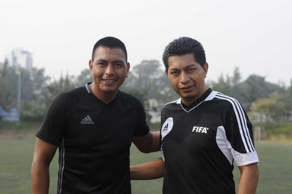 Walter y Gerson López representarán al arbitraje del fútbol guatemalteco. (Foto: Pedro Pablo MIjangos/Soy502)