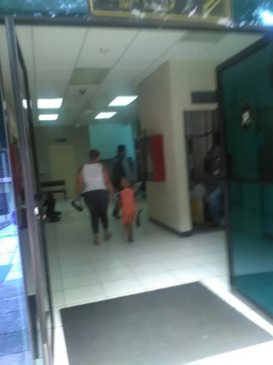 Autoridades llevaron al niño al Juzgado de la Niñez en Escuintla. (Foto: PDH)