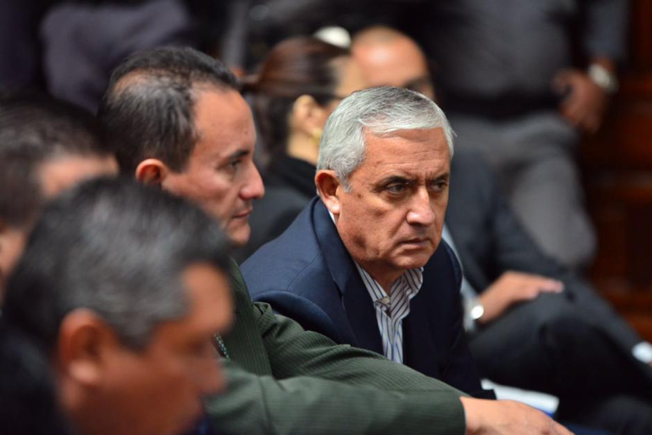 Otto Pérez Molina se mostró enfadado durante el segundo día de audiencia del caso Cooptación del Estado. (Foto: Jesús Alfonso/Soy502)