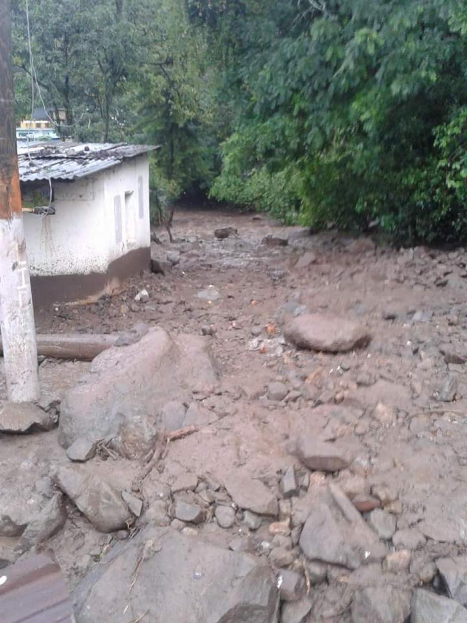 Las 28 casas presentan daños moderados a causa del lodo. (Foto: Conred)