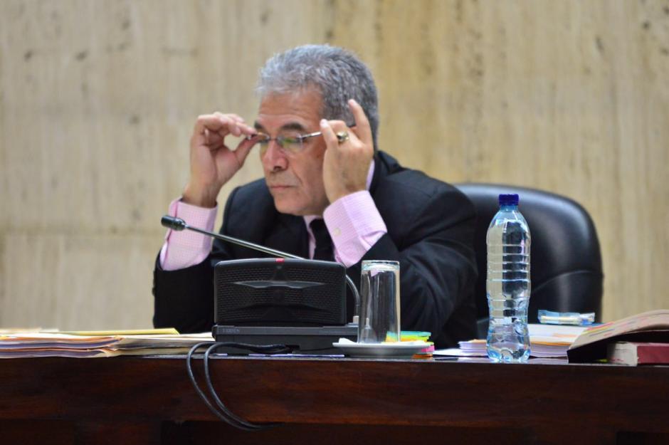 El juez Miguel Ángel Gálvez, está a cargo del caso Cooptación del Estado, ha logrado mantener en calma a las partes procesales. (Foto: Jesús Alfonso/Soy502)