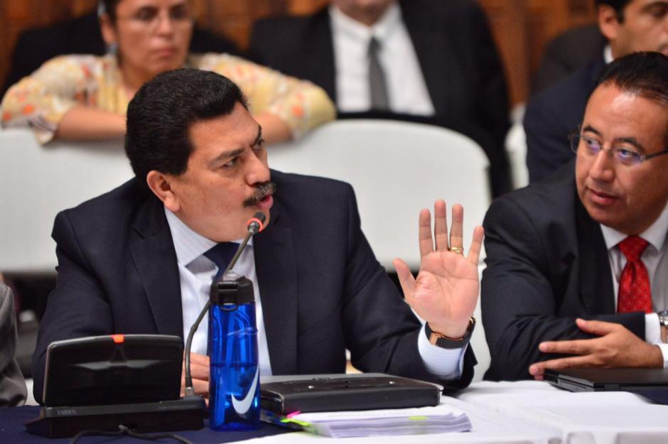 Siguió Francisco García Gudiel, quien pidió que se investigue a Thelma Aldana pues se sospecha que cometió un delito. (Foto: Jesús Alfonso/Soy502)