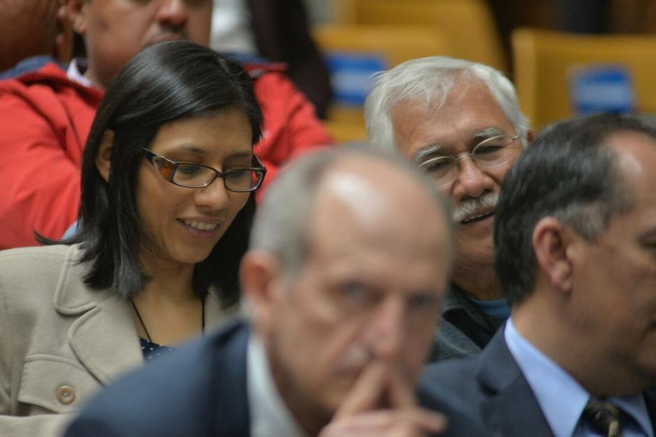 Edín Barrientos, exdirector de Banrural y exfinancista de Siglo21, es defendido por su hija Elena Barrientos. (Foto: Wilder López/Soy502)