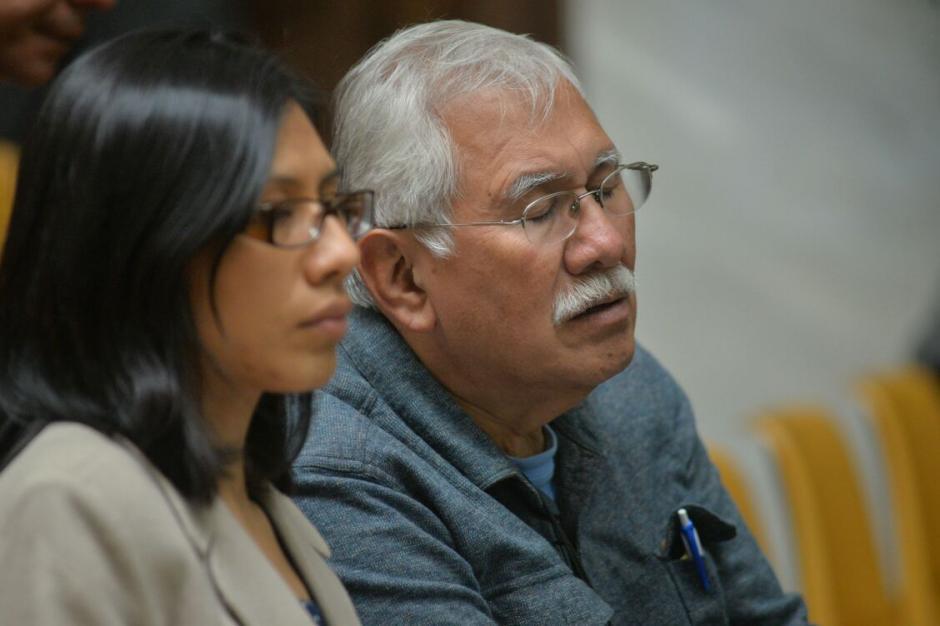 Edín Barrientos y su hija, la abogada Elena Barrientos, siempre se mantienen juntos e intercambian opiniones. (Foto: Wilder López/Soy502)