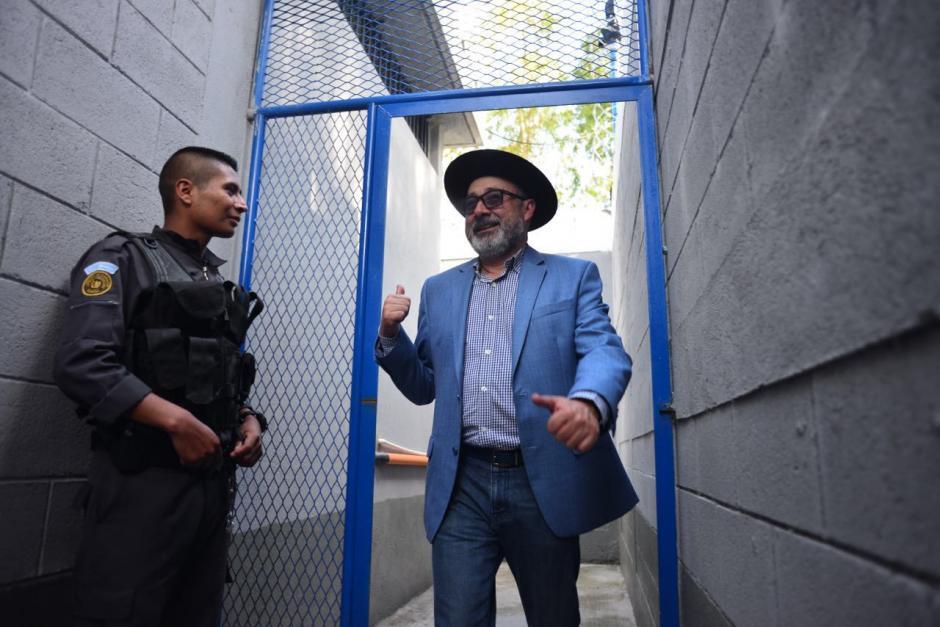 El abogado Moises Galindo también ingresó a las instalaciones de la prisión de Matamoros para verificar su estado. (Foto: Jesús Alfonso/Soy502)